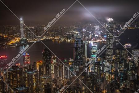 曇天時のヴィクトリア・ピークから見る香港の夜景 その④