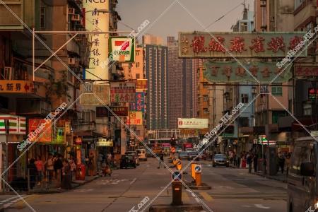 九龍城の夕方の街並みと看板 その⑦
