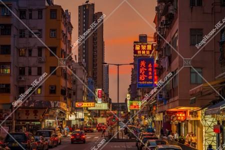 九龍城の夕方の街並みと看板 その⑱